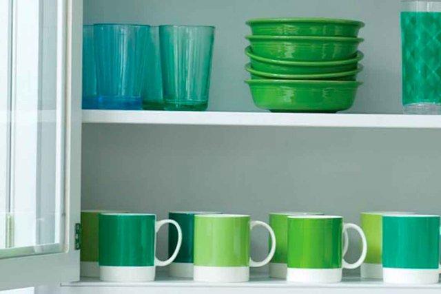 De la vaisselle dans les tons d'émeraude... (Photo fournie par Pantone)