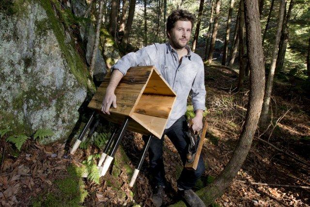 L'originalité du travail de Simon Johns vient aussi... (Photo : Alain Roberge, La Presse)