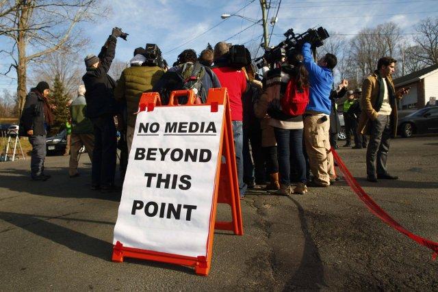 Pour les journalistes, couvrir un drame de l'ampleur de la tuerie de Newtown... (Photo: Reuters)