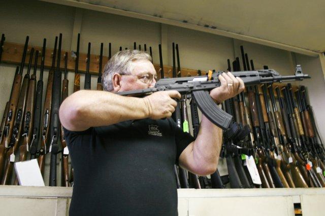 Les Américains  et leurs fusils:  une... (PHOTO TIM GAYNOR, ARCHIVES REUTERS)