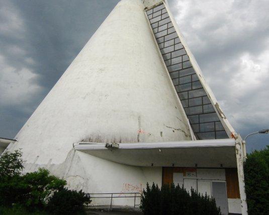 Selon le conseiller Georges Bouchard, l'église Fatima mérite... (Photo archives)