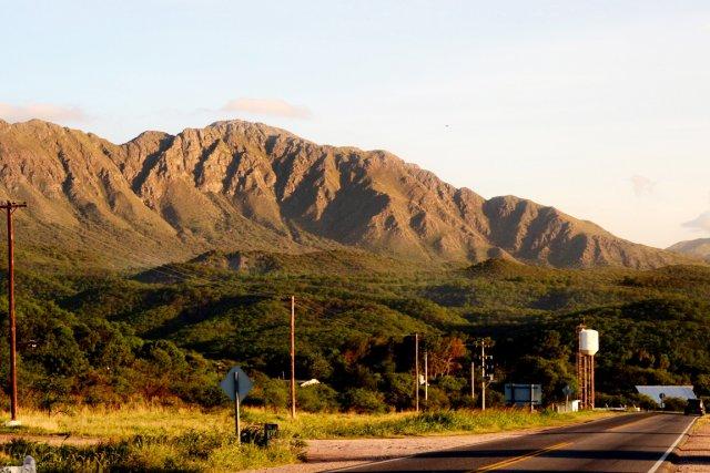 Le mont Uritorco, site sacré pour les populations... (PHOTO MARIELA ATIA, ARCHIVES AFP)