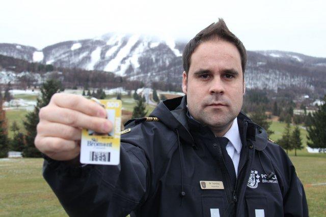 Les policiers de Bromont portent une attention particulière... (Photo Janick Marois)