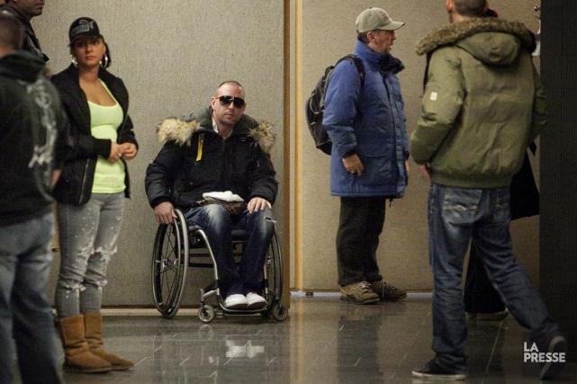 Shane Kenneth Maloney en fauteuil roulant.... (Photo Marco Campanozzi, La Presse)
