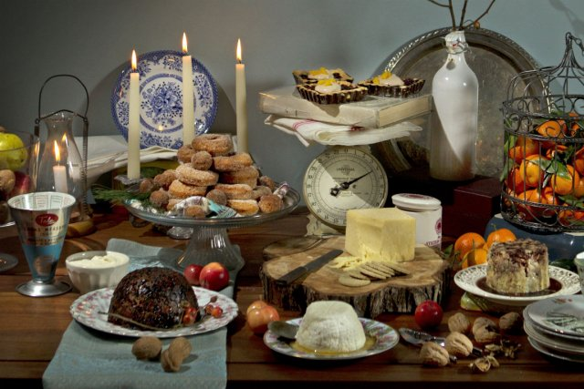 Le repas n'est pas terminé! Ce ne serait pas Noël sans fromages ni desserts.... (Photo Martin Chamberland, La Presse)