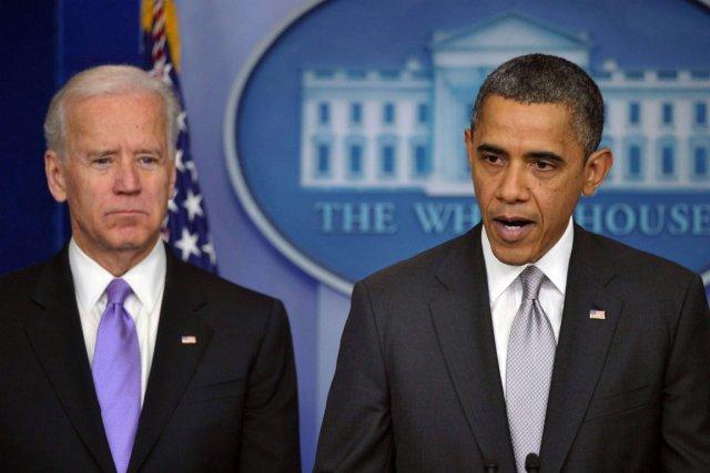 Le vice-président des États-Unis aux côtés du président... (Photo Mandel Ngan, Agence France-Presse)