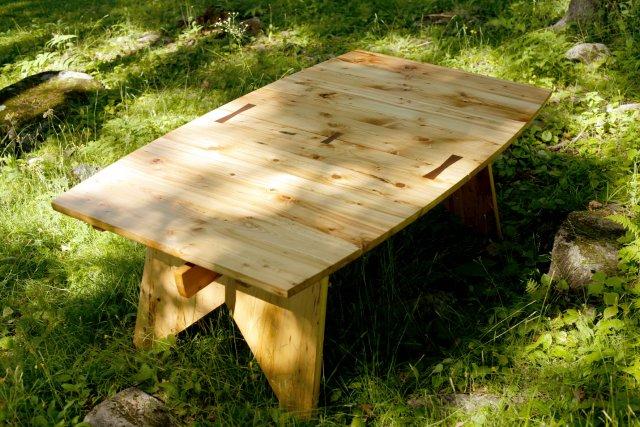Voici comment Alexandre Godbout transforme les planchers d'épinette.... (Photo fournie par Alexandre Godbout)