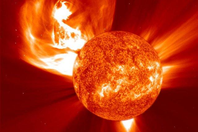 En mars 1989, une forte explosion solaire, semblable... (Photo fournie par Soho)