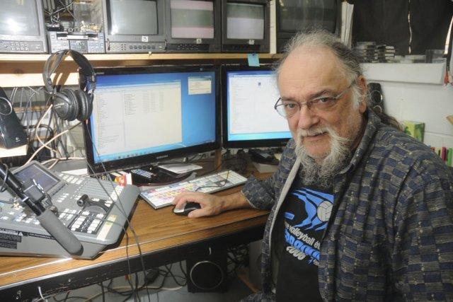 Le coordonnateur et réalisateur de la Télévision communautaire... (photo archives La Voix de l'Est)