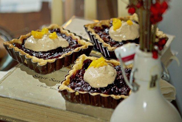 Voici la recette de tarte à la canneberge séchée et crème sure aux épices de... (Photo Martin Chamberland, La Presse)