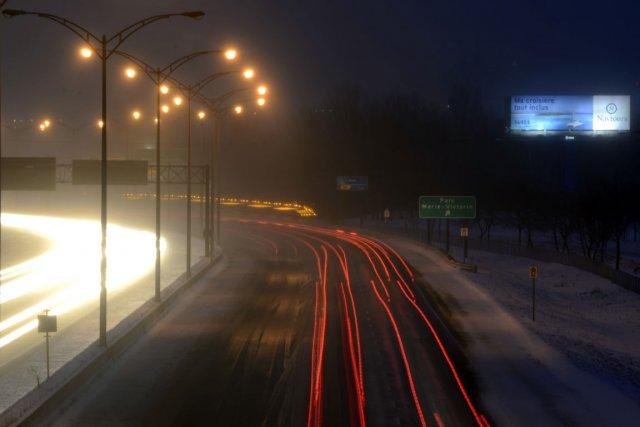Précipitations de neige à Longueuil, sur la route... (Photo Bernard Brault, La Presse)