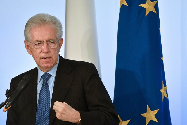 Le chef du gouvernement italien Mario Monti.... (Photo: AFP)