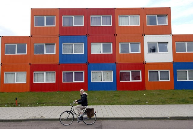 Des conteneurs convertis en résidences étudiantes, à Amsterdam.... (Photo : Paul O'Driscoll, archives Bloomberg)