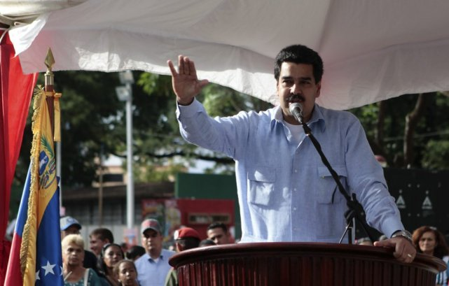 Nicolas Maduro a désormais la possibilité d'intervenir sur... (Photo archives)