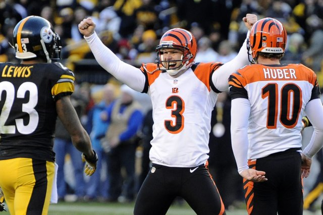 Le botteur des Bengals Josh Brown (3) célèbre... (Photo : Don Wright, AP)