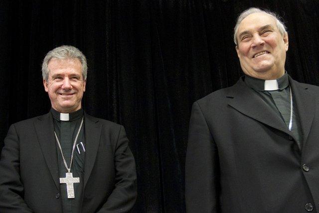 Mgr Christian Lépine, à gauche, a succédé au... (Photo: Ivanoh Demers, La Presse)