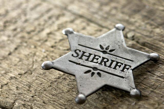Ray Burnam s'est présenté pour devenir shérif en promettant de résoudre trois... (Photos.com)
