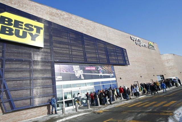 Comme d'habitude, les boutiques d'électronique, tel le Best... (Photothèque Le Soleil, Yan Doublet)