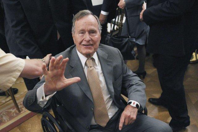 George H.W. Bush est hospitalisé depuis le 23... (Photo AFP)