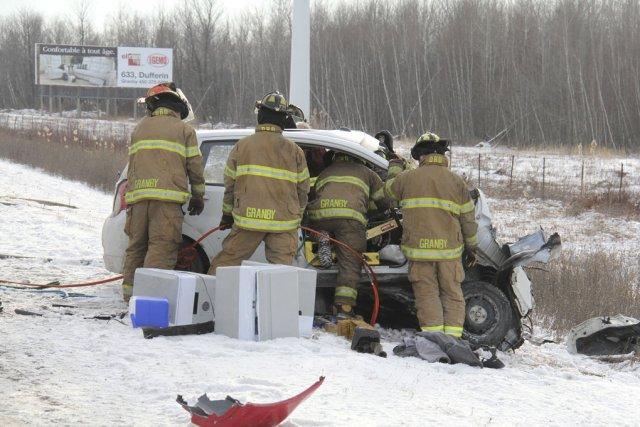Les pompiers de Granby ont été appelés sur... (photo Janick Marois)