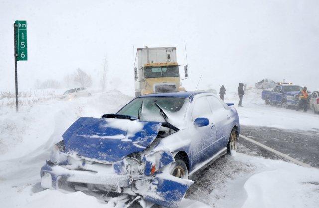 Plus d'une dizaine de véhicules ont été impliqués... (Photo: Stéphane Lessard)