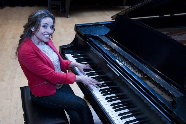 L'animatrice Anik Moulin présentera le spécial La Musique... (Imacom Claude Poulin)