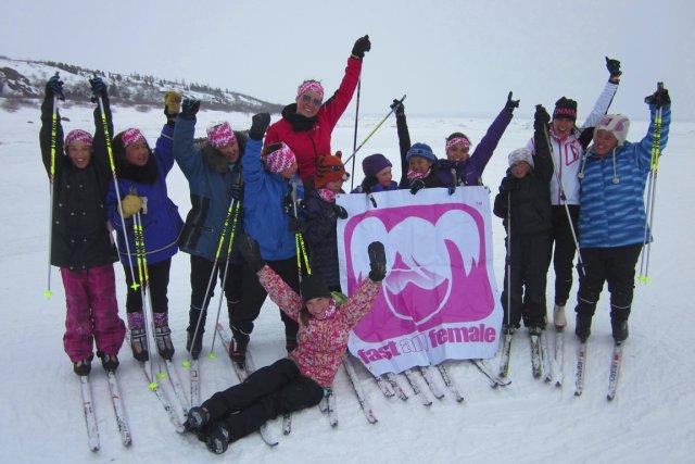 Les jeunes filles de Kuujjuaq peuvent maintenant s'adonner... (Photos fournies par Frédérique Vézina et Camille Pepin)