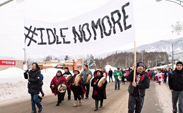 Plusieurs autochtones de partout au pays, dont en... (Photo La Presse Canadienne)
