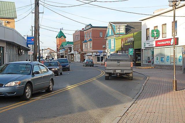 Le centre-ville de Matane compte environ 160 commerces.... (Photos collaboration spéciale Johanne Fournier)