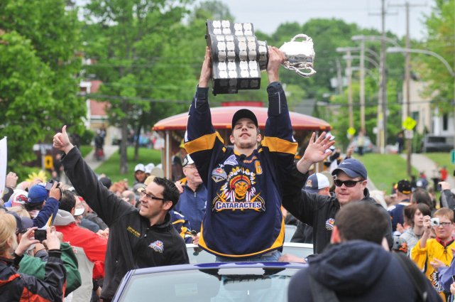 Parade des Cataractes champions de la Coupe Memorial... (Photo: Émilie O'Connor)
