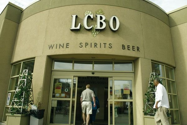 Lundi, le gouvernement provincial a confirmé que la Liquor control Board of... (PHOTO ARCHIVES LE DROIT)