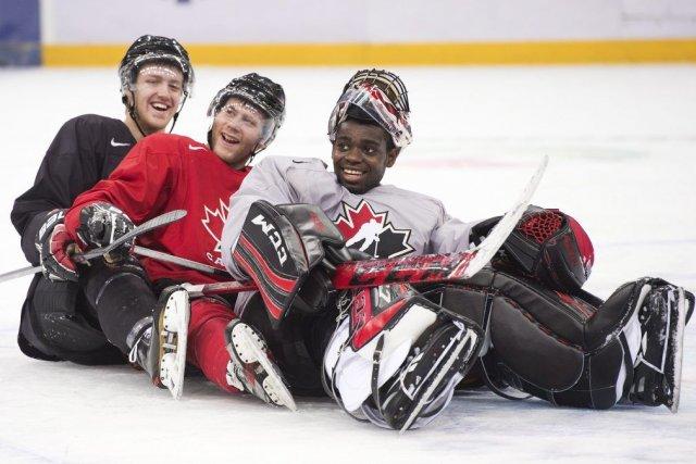 Dougie Hamilton, Anthony Camara et Malcolm Subban.... (Photo Nathan Denette, La Presse Canadienne)