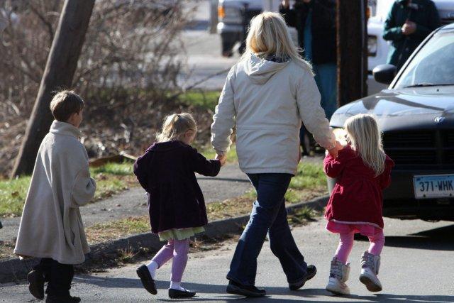 Les enfants de Sandy Hook doivent eux aussi... (Photo Frank Becerra Jr., Associated Press)