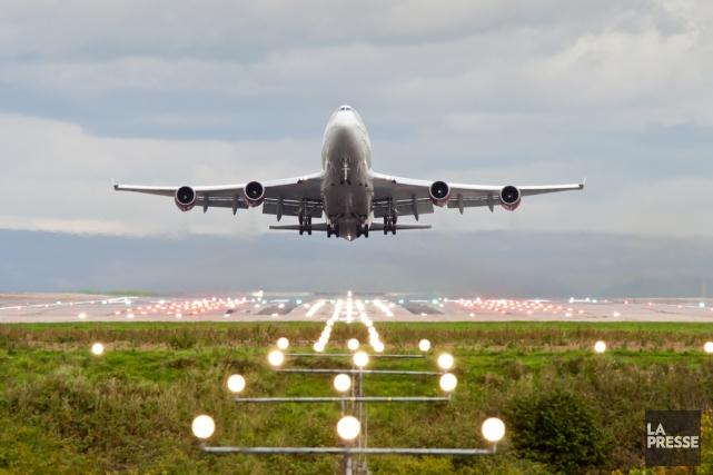 L'IATA prévoit que les volumes de fret augmenteront... (PHOTO ANDREW BARKER, SHUTTERSTOCK)