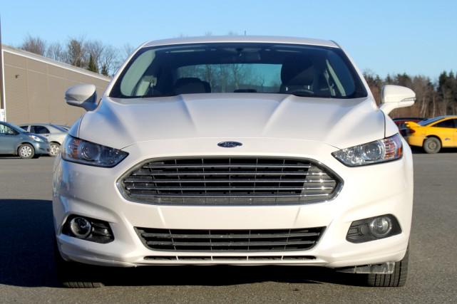 C'est vu de l'avant que la Ford Fusion... (Photo Jacques Duval, collaboration spéciale)