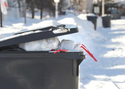 De nombreux Sherbrookois pourraient crouler sous les déchets au cours des... (Imacom, Maxime Picard)