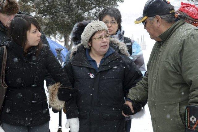 La chef autochtone d'Attawapiskat Theresa Spenceen est à... (Photo La Presse Canadienne)