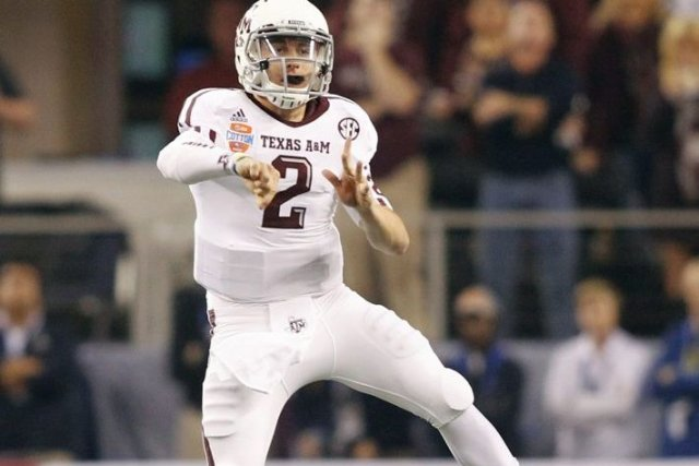 Le quart-arrière de Texas A&M  Johnny Manziel a... (Photo Mike Stone, Reuters)