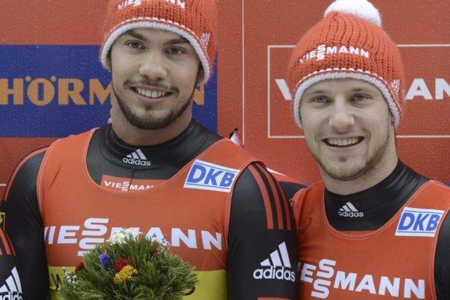 Les Allemands Tobias Wendl et Tobias Arlt.... (Photo Christof Stache, Agence France-Presse)