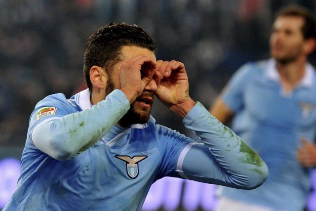 Antonio Candreva a célébré son but à sa... (PHOTO TIZIANA FABI, AFP)