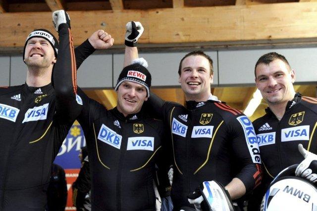 Marko Hübenbecker,   Maximilian Arndt, Alexander Rödiger... (PHOTO Matthias Rietschel, AP)