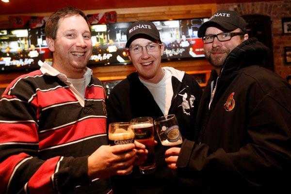 Mike McCarthy se réjouit du retour du hockey,... (Simon Séguin-Bertrand, LeDroit)