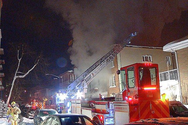 Un incendie a forcé l'évacuation d'une trentaine de... (Collaboration spéciale Steve Jolicoeur)