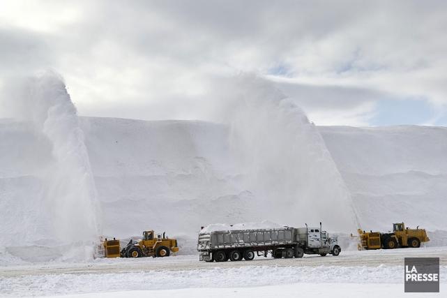 La neige ramassée dans les rues de Montréal... (Photo: Hugo-Sébastien Aubert, La Presse)