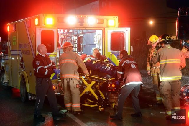 Les ambulanciers paramédicaux membres de la Fédération de la santé et  des... (Archives La Tribune, Maxime Picard)