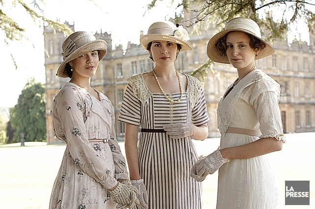 Jessica Brown Findlay (Lady Sybil), Michelle Dockery (Lady...
