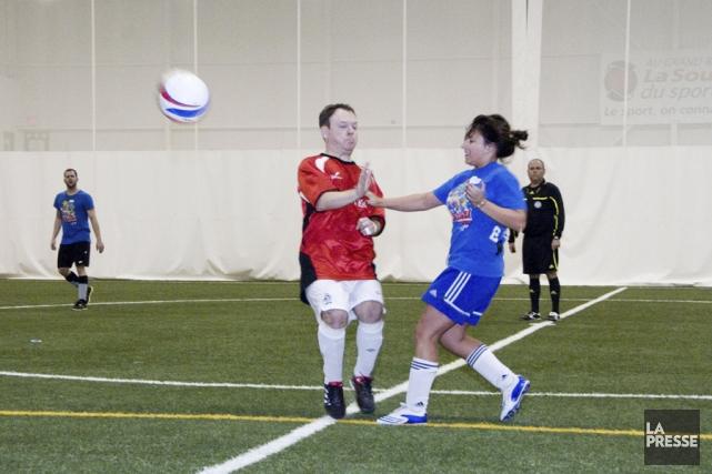 Le Défi à l'entreprise hivernal de soccer Financière Sun Life,  présenté par La... (photo Stéphanie Mantha)