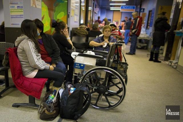 Une salle d'attentes aux urgences d'un hôpital montréalais.... (Photo André Pichette, La Presse)