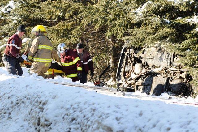 Une embardée a fait trois blessés mineurs, peu après midi lundi sur l'autoroute... (Photo: Émilie O'Connor)