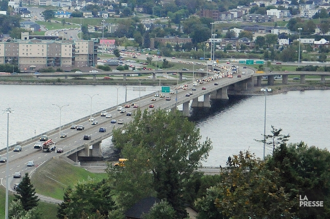 La question d'un nouveau pont sur le Saguenay en est une à long terme. Or, les... (Photo archives)